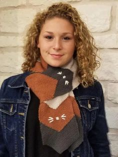 Cat Scarf – TURTLE Looms – Hexagon Pin Loom Weaving Cat Scarf, Loom Weaving, Fiber Art, Turtle, Winter Hats, Cats, Patterns, Fashion, Fabrics