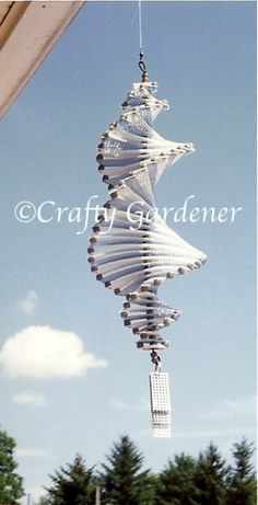 Round and Round in the Breeze | craftygardener.ca