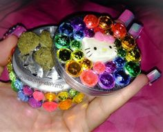 Hello Kitty rhinestone grinder