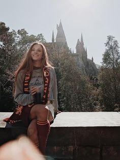 Harry Potter World - Ginny Weasley Harry Potter Tumblr, Photo Harry Potter, Harry Potter Outfits, Harry Potter Pictures, Harry Potter World, Universal Orlando, Harry Potter Universal, Universal Studios, Parque Do Harry Potter