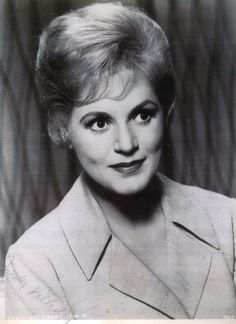 Judy Holiday - Great actress,Aways enjoy watching her movies, Bing Images Old Hollywood Stars, Classic Hollywood, Judy Holliday, Esther Williams, Actor Studio, Cinema, She Movie, Columbia Pictures, Pretty People