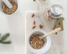 Hjemmelaget krokan — FAMILIEMAT Oatmeal, Breakfast, Food, Recipes, The Oatmeal, Morning Coffee, Rolled Oats, Essen, Meals