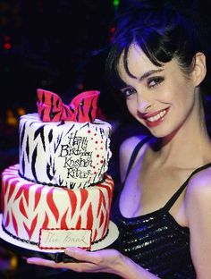 "Neon Nights: Vegas celeb pics - Entertainment / Neon - ReviewJournal.com Actress Krysten Ritter of ""Breaking Bad"" and ""Don't Trust the B---- in Apt. 23"" had a 31st birthday party Saturday at the Bank nightclub. Photo courtesy Denise Truscello/Wireimage"