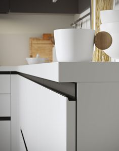 Handle-less doors design adds to the minimal charm of Joy from Snaidero Modern Kitchen Cabinets, Kitchen Doors, Kitchen Furniture, Kitchen Pantry, Furniture Design, Luxury Kitchen Design, Luxury Kitchens, Interior Design Kitchen, Camper Interior Design