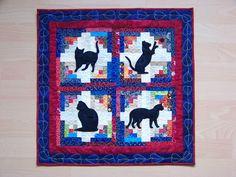 """""""Cabin Cats"""", abgewandelt nach einem Entwurf in der """"Quilters World""""  22"""" x 22"""", freihand mit Maschine gequiltet Milavia spinntstricktnaeht"""