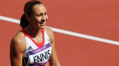 Hát nem cuki!? :) - Jessica Ennis of Great Britain looks on after competing in the Women's Heptathlon 100m Hurdles Heat 1