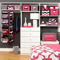 Dorm Decor - bedding, shelves and boxes are all really cute!