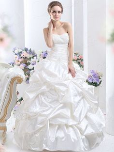 Sweetheart Chapel Train Taffeta Ivory Wedding Dress - pictures, photos, images