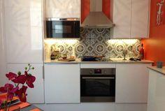 Une cuisine en 3 semaine chrono ! Crédence en carreaux de ciment. Peinture Farrow&Ball. Elodie Sagot, Architecte d'intérieur www.elodiesagot.com