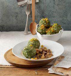 Spinatknödel mit Taleggio und Pilzrahmragout