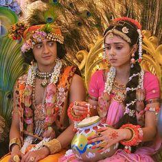 Image may contain: 2 people Radha Krishna Love Quotes, Cute Krishna, Lord Krishna Images, Radha Krishna Pictures, Radha Krishna Photo, Krishna Photos, Shree Krishna, Radhe Krishna, Lord Krishna Wallpapers