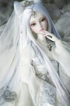 Корейская/китайская(я не уверена)кукла.