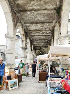 Antique stores and souvenirs in Vicenza | www.freckleandfair.com
