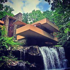 Bonitas imagenes de la obra de Frank Lloyd Wright la casa de la cascada
