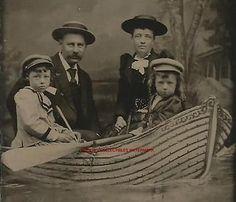 TINTYPE-PHOTO-T3411-MAN-WOMAN-2-CHILDREN-VERY-NICE-BOAT-SCENE