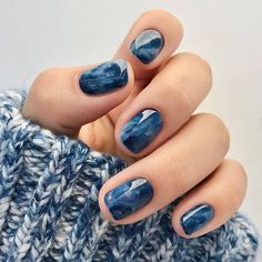 Classic nail art design cases you can try - Page 73 of 97 - Inspiration Diary Perfect Nails, Gorgeous Nails, Cute Nails, Pretty Nails, Hair And Nails, My Nails, Dark Nails, Nail Design Glitter, Blue Nails With Design