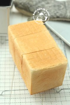 The other day one reader left a comment in a very old post  (way back 2009), said everyone should try this very soft bread. This is a brea...