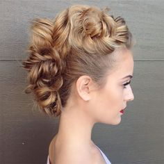 Wedding Hairstyles Plait Faux Hawk bridal updos by heather chapman hair mon cheri bridals Updos For Medium Length Hair, Medium Hair Styles, Natural Hair Styles, Long Hair Styles, Mohawk Hairstyles For Women, Box Braids Hairstyles, Wedding Hairstyles, Quinceanera Hairstyles, Mohawks