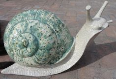 #Pottery #snail Diy Clay, Clay Crafts, Garden Crafts, Garden Art, Snail Art, Snails In Garden, Define Art, Clay Birds, Ceramics Projects