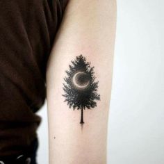 #tattoo #tatuagem #ink #inked #bodymodification #alineymarques #tree #moon #blackandwhite