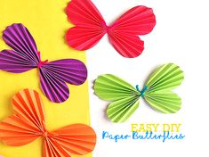 Simple Folded Paper Butterflies Craft with Free Printable Template #papercraft #spring #butterflies