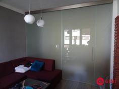 Sklenená stena s posuvnými dverami Mirror, Lighting, Glass, Furniture, Home Decor, Decoration Home, Drinkware, Room Decor, Mirrors