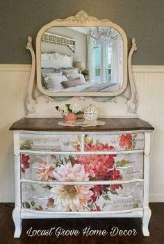 Shabby chic farmhouse dresser #shabbychicfurnituremakeover #Shabbychicdressers #shabbychichomesboho