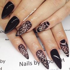 beauty, black, and black nails by Evadine Claudia | We Heart It (374676)
