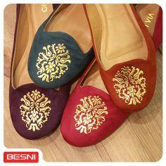 O seu outono mais colorido! Os slippers da moda estão na Besni. :) #outono #colorido #slippers #Besni