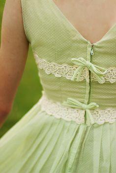 vintage dotted swiss mint dress // pretty details