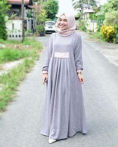 Abaya Fashion, Modest Fashion, Fashion Dresses, Simple Long Dress, Moslem Fashion, Mode Abaya, Modele Hijab, Abaya Designs, Hijab Style