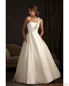 Romantisches schlichtes Brautkleid aus Satin asymmetrischer Ausschnitt schlichte Mieder und Ballrock