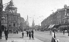 Wood Green High Road - old library on the left, no Underground on the righthand corner yet, so Vintage London, Old London, Old Libraries, High Road, North London, Old Wood, Old Photos, 1930s, Past