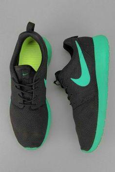 NIKEiD. Custom GB Nike Free TR 4 iD Womens Training Shoe