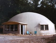 Don Pass and Ron Boswell completed this 50′ × 20′ Monolithic Dome home. They finished the dome interior in just 6 weeks, including all cabinet work, floor coverings and sheet rock.