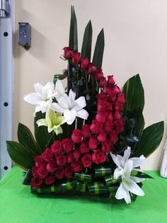 33 Beautiful Valentine Flower Arrangements That You Will Like - Flowers are one of the most popular gifts given and sent on Valentines day. Sons buy a pretty posy for their mom, boys buy them for their girlfriends,. Contemporary Flower Arrangements, Tropical Floral Arrangements, White Flower Arrangements, Creative Flower Arrangements, Flower Arrangement Designs, Flower Designs, Church Flowers, Funeral Flowers, Exotic Flowers