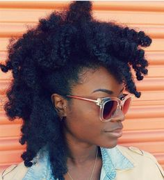 Afro-textured hair is always a beauty to behold when in its natural form. However, women with this type of hair know how difficult it is to grow it out, maintai Afro Hair Style, Hair Afro, Curly Hair Styles, Hair Wigs, Ponytail Styles, Kinky Hair, Pelo Natural, Natural Hair Tips, Natural Hair Styles