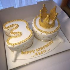 #theme #numbercake #30cake #30th #30thbirthday #cake #30thcake #queen #queencake…
