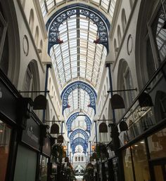 A little #perspective looking down the Thornton Arcade in #Leeds. #arch #architecture #shop #shopping #roof #travel #tourism #tourist #attraction #leisure #life #IGersLeeds #yorkshire #England