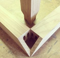 3-way mitered corner joint