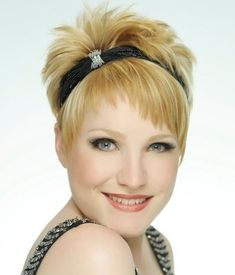 Google Image Result for http://static.becomegorgeous.com/img/arts/2011/Jul/08/4923/the_art_of_hair_short_cut-2.jpg
