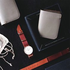 We are excited to unveil our first venture into product development. The beauty of burgundy is paired perfectly with rose gold hardware on the AULT Nato Strap and the ARGUS Compact Wallet in grey, the result of Voyej's signature American vegetable tanned leather.  Now available online @thewatchco & @voyej and exclusively at The Watch Co. Plaza Indonesia & @stow_jkt