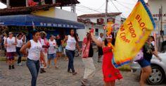 """Nesta sexta tem Carnaciranda em Paraty!  Nesta sexta-feira (21) a Prefeitura de Paraty promove o """"Carnaciranda"""". Unindo carnaval, ciranda e cultura, a Secretaria de Promoção Social fará um desfile pelas ruas da cidade. A concentração será às 16h na Praça da Paz (em frente à Promoção Social), com saída às 17h e chegada na Praça do Chafariz. Com a temática """"Carnaval e Ciranda', crianças, jovens e idosos desfilarão com vestimentas tradicionais da cultura caiçara acompanhados pelo Bloco Tudo Em…"""
