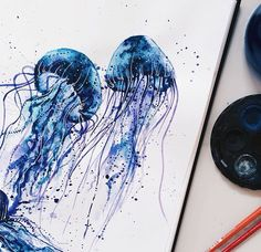 Hieu Nguyen, better known by his alias Kelogsloops, is an Australian watercolor artist. Kelogsloops also makes digital drawings. Watercolor Jellyfish, Jellyfish Painting, Jellyfish Tattoo, Galaxy Painting, Galaxy Art, Blue Jellyfish, Jellyfish Drawing, Painting Inspiration, Art Inspo