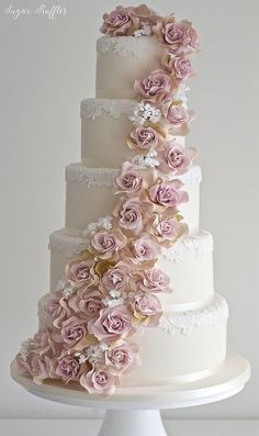 Amnesia Rose Cascade Wedding cake #weddingcakes
