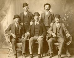 Butch Cassidy and his Wild Bunch. Front row, left to right: the Sundance Kid, the Tall Texan, Butch Cassidy; Standing: William 'News' Carver and Kid Curry. Fort Worth, Texas, 1900.