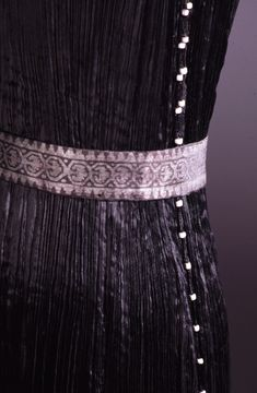 """Belted """"Delphos"""" gown by Mariano Fortuny, c. 1925. Great blog on Mariano Fortuny! From the collections of the FIDM Museum & Galleries."""