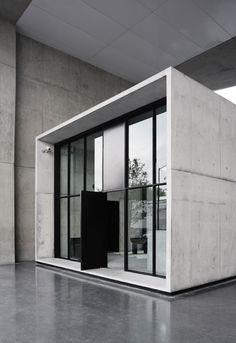 Minimal urban hotel. Interesting indeed.  Hotel Habita MTY - Minimalissimo