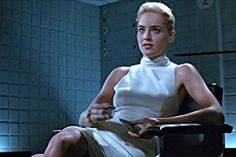 Michael Douglas and Sharon Stone in Basic Instinct Sharon Stone, Beau Film, Basic Instinkt, Basic Instinct Movie, Female Movie Characters, Movies To Watch Now, Character Types, 50 Fashion, Fashion Movies