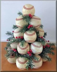 Baseball christmas tree Finest craft christmas tree mother concepts Plus Dimension Marriage c Diy Christmas Tree, Christmas Projects, Winter Christmas, Christmas Tree Decorations, Christmas Wreaths, Christmas Christmas, Primitive Christmas, Christmas Ideas For Mom, Themed Christmas Trees